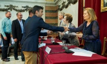 Más de 2.000 alumnos participan en el concurso de Es de Libro